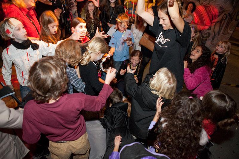 skrikfabriken halloween for barn in stockholm sweden 3 2013 - Halloween Barn