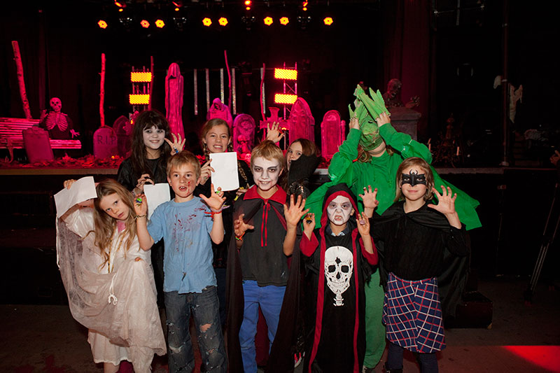 skrikfabriken halloween for barn in stockholm sweden 8 2013 - Halloween Barn